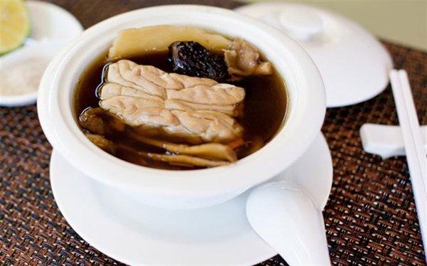Hạ thảo đông trùng Tây Tạng có thể được chế biến thành nhiều món ăn